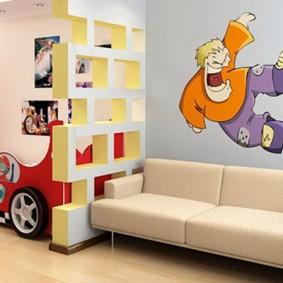 Кровать в виде машины для маленького мальчика