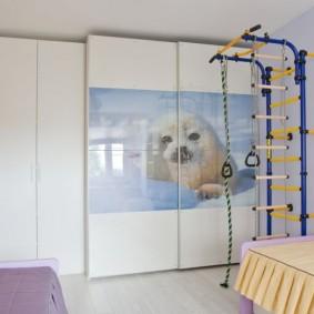 Шкаф-купе в детской спальне