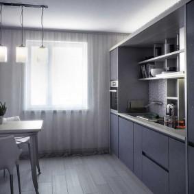 Обеденная зона на кухне с линейным гарнитуром