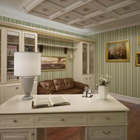 Интерьер домашнего кабинета в панельке