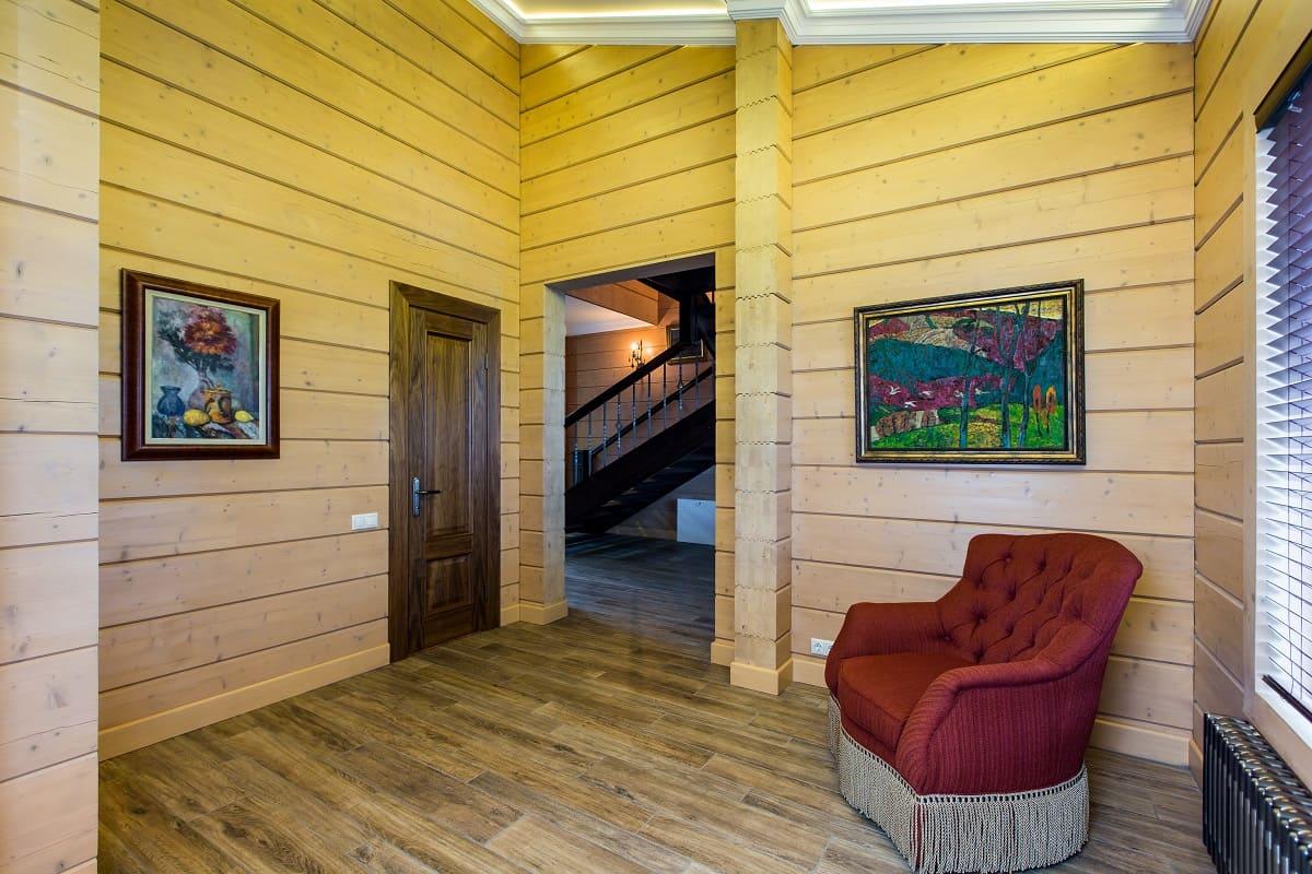 отличие чем покрасить стены в деревянном доме фото больше подходит для