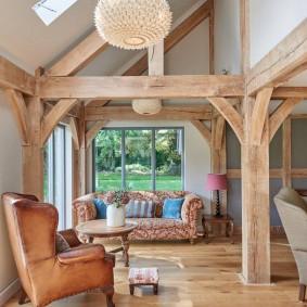 Деревянные конструкции в интерьере загородного дома