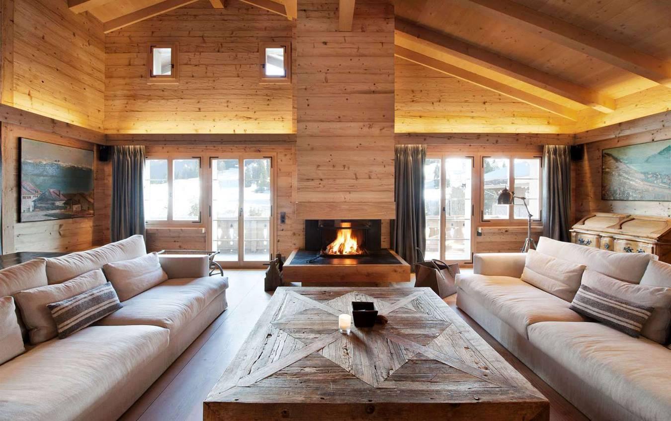 камин в деревянном доме фото