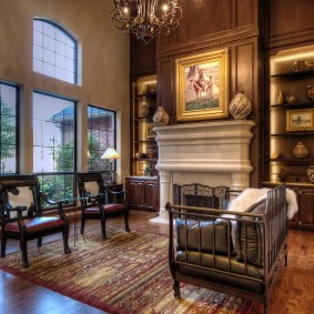 Стильная мебель в просторной гостиной