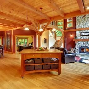 деревянный пол из сосновых досок