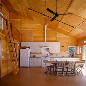 Отделка фанерой потолка в частном доме