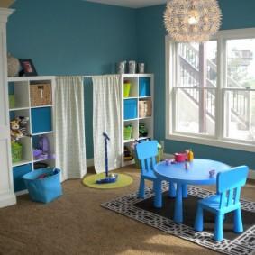 Детская мебель из голубого пластика