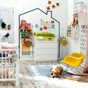 Оригинальный декор стен в детской комнате
