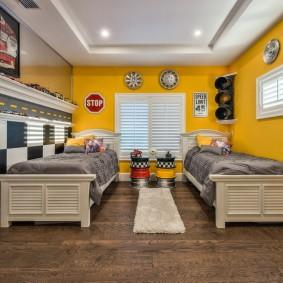 Детские кровати в маленькой комнате