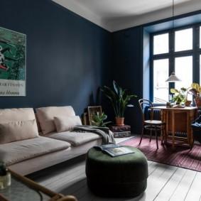 Окраска стен комнаты в темный цвет