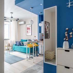 Синий цвет в дизайне маленькой квартиры