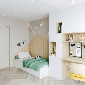 Детская кровать в квартире панельного дома
