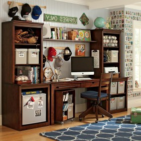 Деревянная мебель для рабочего места школьника