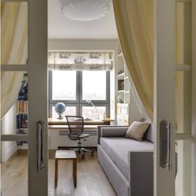 Раздвижные двери в комнате подростка