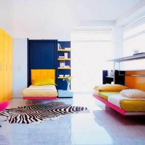 Яркая мебель апельсинового оттенка