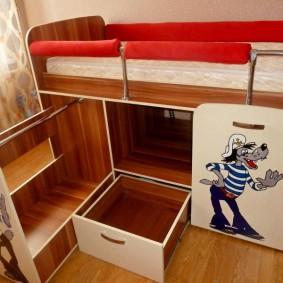 Кровать-чердак для маленького ребенка