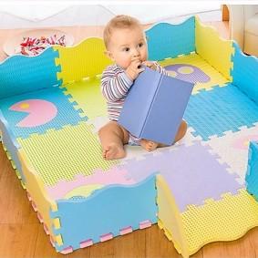 Детский манеж из пазлового коврика
