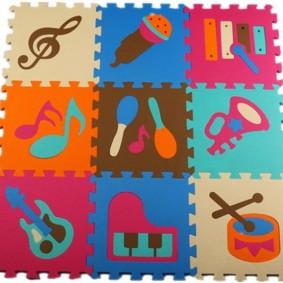 Разнообразные рисунки на модульном коврике
