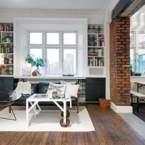 Кирпичная перегородка в светлой квартире