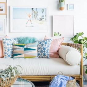 Пастельная окраска декоративных подушек