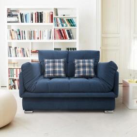 Синий раскладной диван для мальчика-школьника