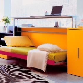 Яркая мебель с откидной кроватью