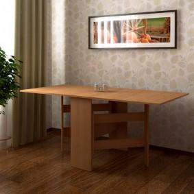 Прямоугольная картина над обеденным столом