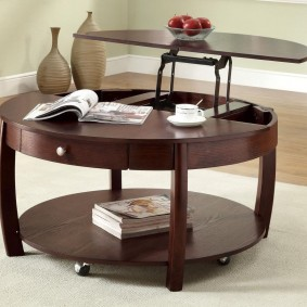 Круглая модель стола-трансформера