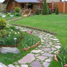 садовая торпинка из натурального камня