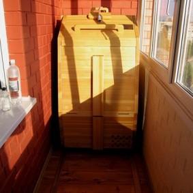 Сауна-бочка на лоджии квартиры