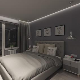 Декор постерами серой стены спальни