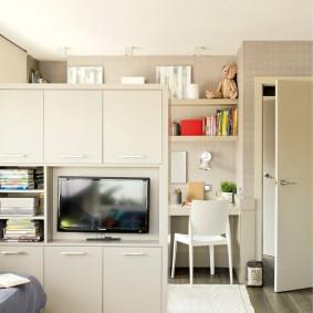 Зонирование детской с помощью двухстороннего шкафа