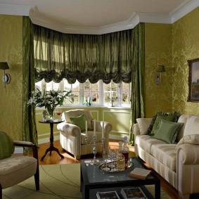 Темно-зеленые шторы французского типа
