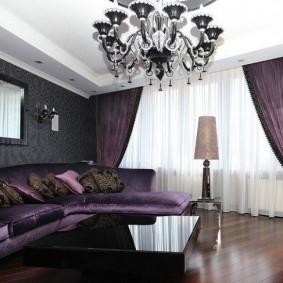Темно-фиолетовые занавески в паре с белым тюлем