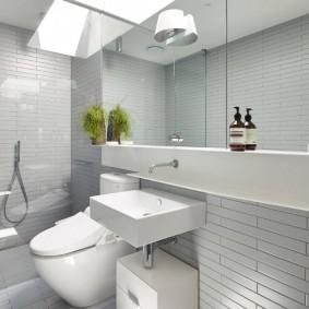 Квадратная раковина в современной ванной
