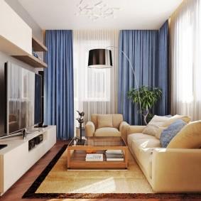 Голубые шторы в угловой комнате