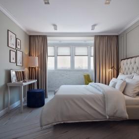 Плотные занавески на окне спальни