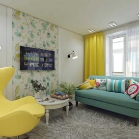 Желтая занавеска в жилом помещении
