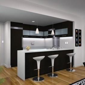 Черно-белая кухня-гостиная