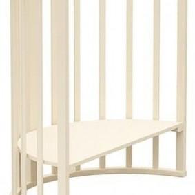 Столик для крохи из кровати-траснформера