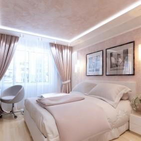 Двухуровневый потолок в спальне трехкомнатной квартиры