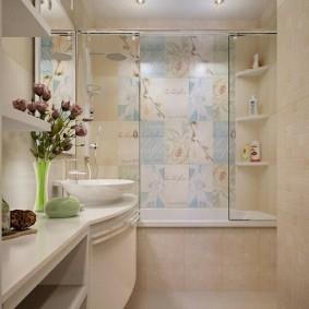 Стеклянные шторки в ванной комнате