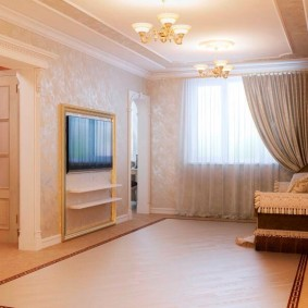 Комната в классическом стиле после ремонта