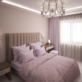 Пластиковая люстра на потолке спальни
