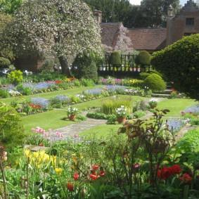 Ландшафтный дизайн сада в регулярном стиле