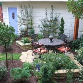 Садовая мебель с кованными элементами