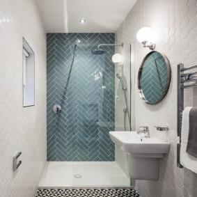 Зонирование ванной комнаты цветом стен