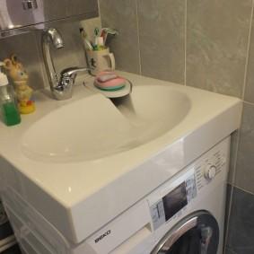 Комбинация раковины со стиральной машиной
