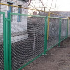 Секционный забор из стальной сетки