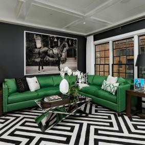 Черно-белый ковер в гостиной комнате